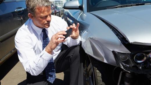 PorownajSzkode - Kim jest rzeczoznawca samochodowy i jak pomaga poszkodowanym?